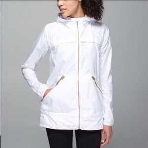 Lululemon Miss Misty White Jacket Sz 2 Hood EUC
